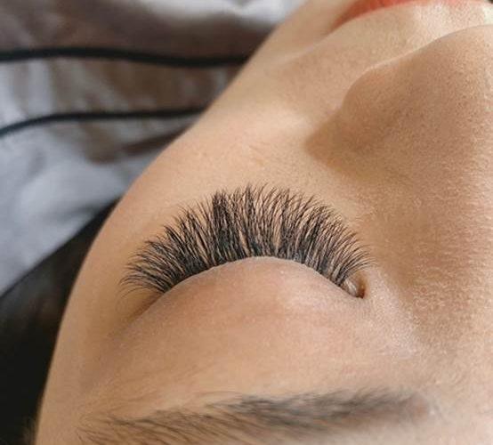 【台中種睫毛】美睫推薦~Double Q旗艦店!種睫毛就來這裡~~資深紋眉團隊讓我的睫毛變好美麗!CP值超高!