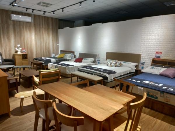 【床墊推薦】舒適的重點在床墊房間改造計畫!台灣最大的床墊工廠,新北/林口區一定要知道的獨立筒品牌~