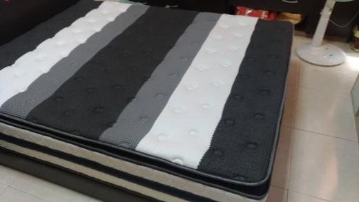 【高雄床墊】之前在床墊工廠買的記憶床墊退役囉※高雄家具街尋找彈簧床評價優質的品牌!新的乳膠獨立筒床墊真的很好睡耶